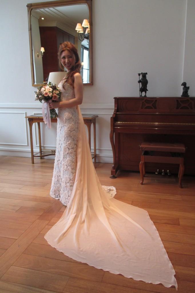 美しい花嫁とトレーン