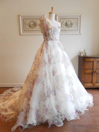 グランマニエのカラードレス|ピンク|花柄|ワンショルダー