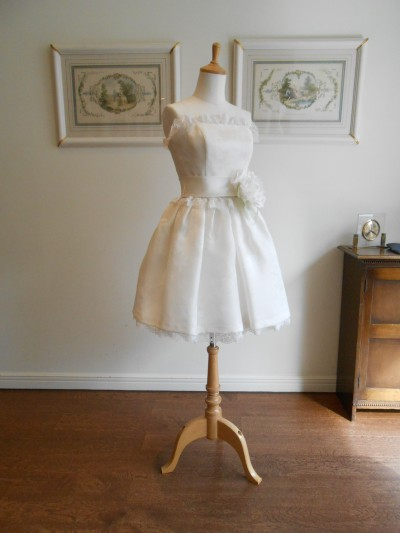 グランマニエのミニウェディングドレス