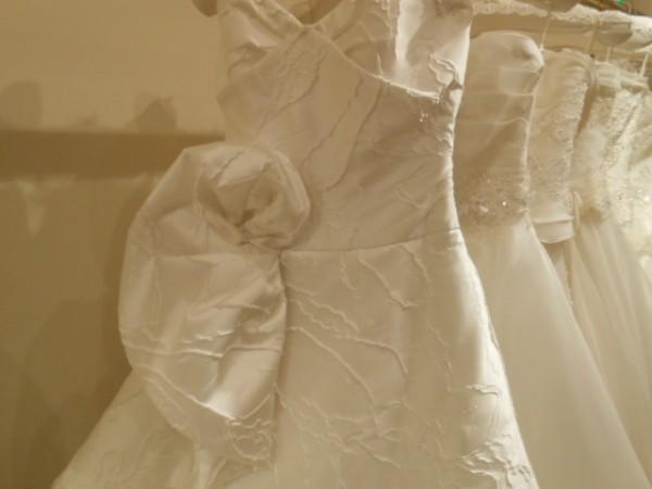ジャガード織|フローラ|厚みのあるウエディングドレス