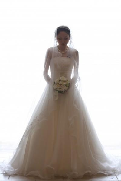 グランマニエのウエディングドレス|Aライン|マリアベールをあわせて