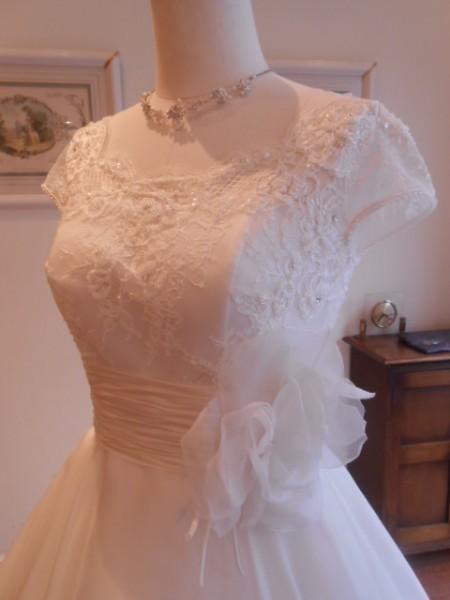 グランマニエのウエディングドレス 袖付き