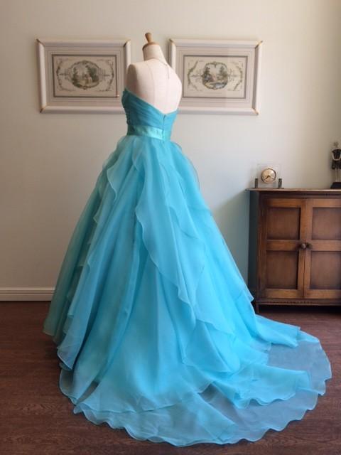 グランマニエの水色カラードレス|ローレルブルー