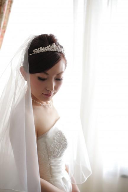 グランマニエのウエディングドレス|キャロル|ティアラ