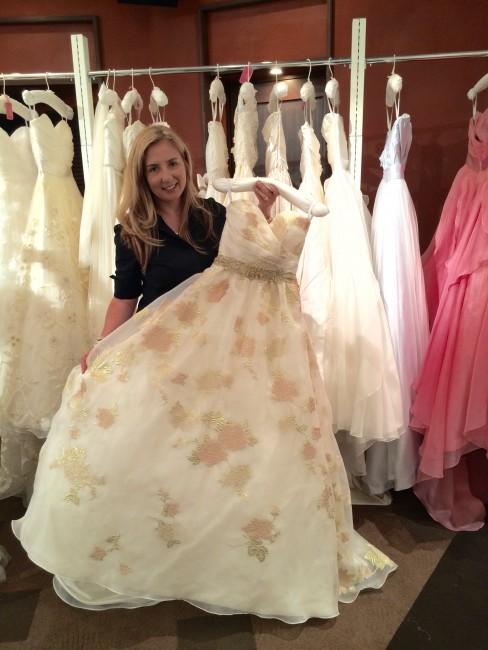グランマニエのウエディングドレス 花柄ドレス カラードレス