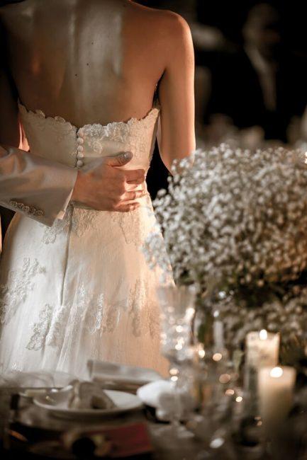 グランマニエのウエディングドレス|くるみボタン