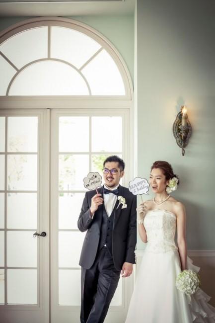 グランマニエのウエディングドレス|ロケーションフォト|ローズガーデンクライスト教会