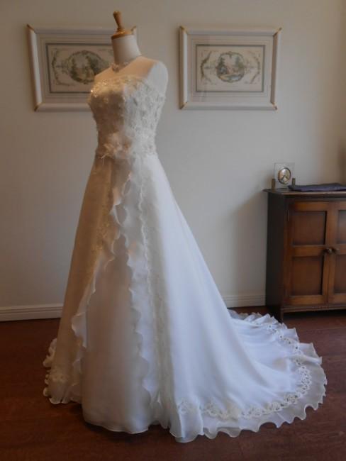 グランマニエのウエディングドレス トニア