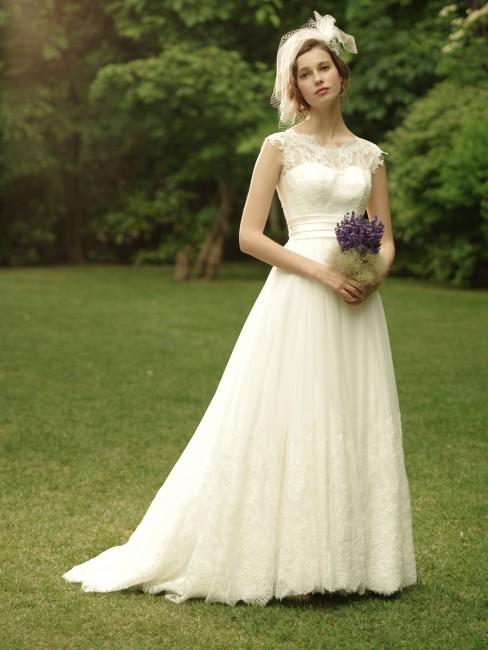 グランマニエのウエディングドレス|LUNA