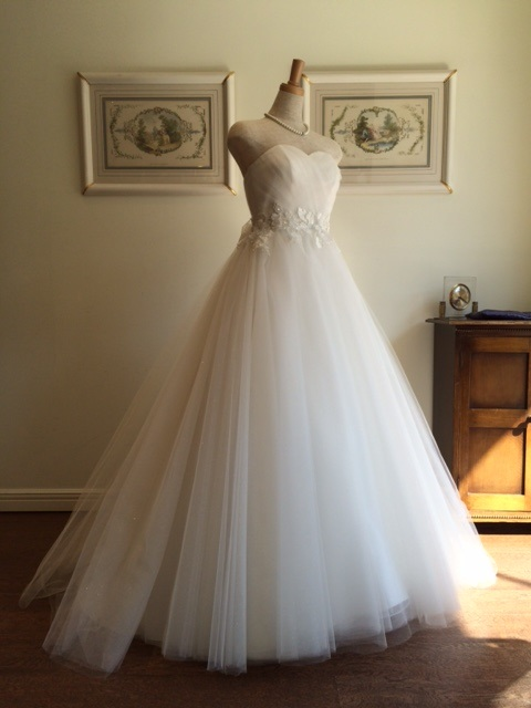 ブリジッタ グランマニエのウエディングドレス
