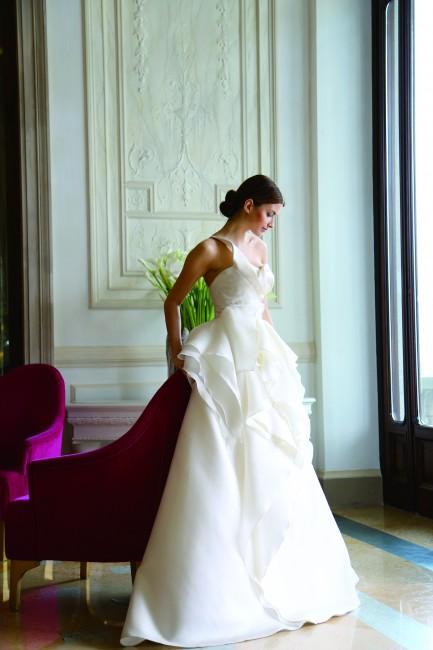 グランマニエのウエディングドレス|レイラ