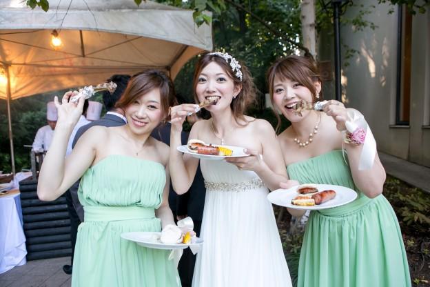 グランマニエのウエディングドレス|ガーデンウエディング|ブライズメイド