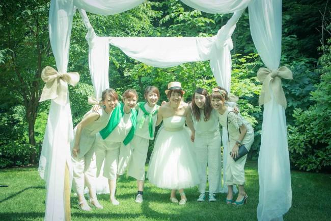 グランマニエのウエディングドレス|ガーデンウエディング