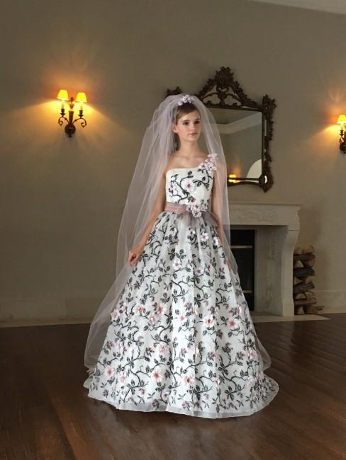 グランマニエのカラードレス|カメリア
