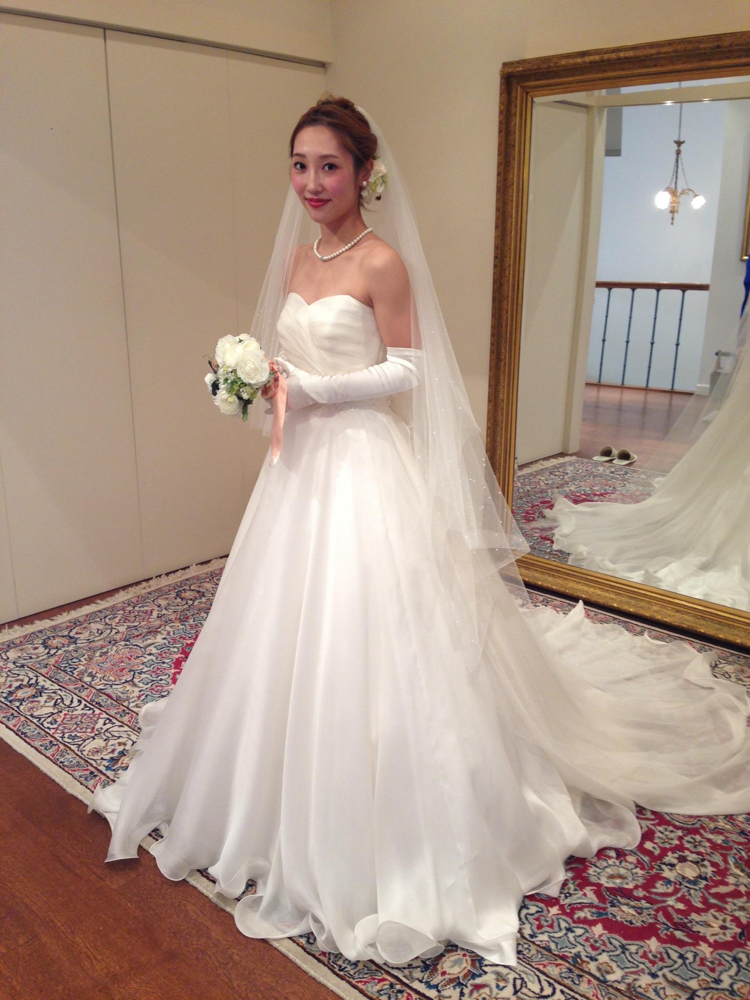 グランマニエのウエディングドレス|アルティアビス