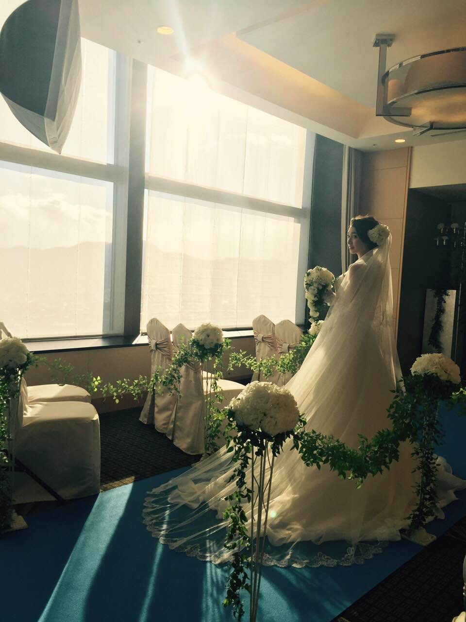 グランマニエのウエディングドレス JRタワーホテル日航札幌