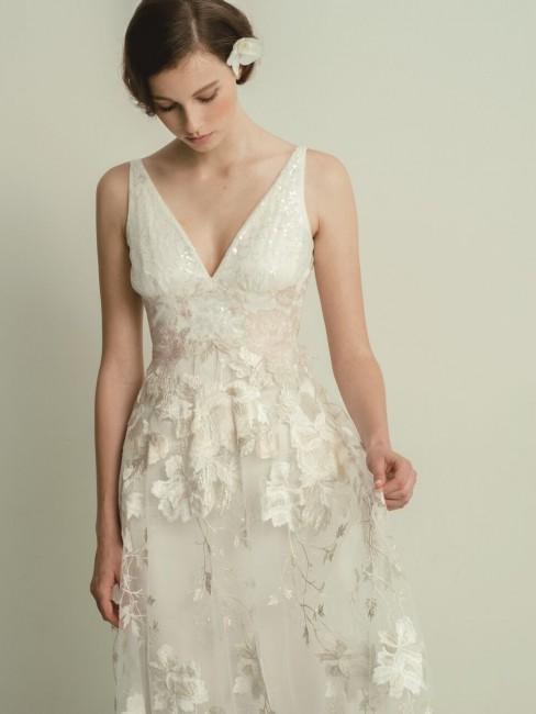 グランマニエのウエディングドレス|レイヴァン