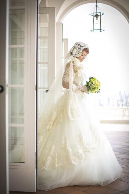 グランマニエのウエディングドレス|ローズガーデンクライスト教会