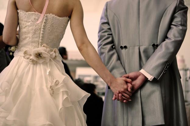 グランマニエウエディングドレス ジュノン くるみボタン