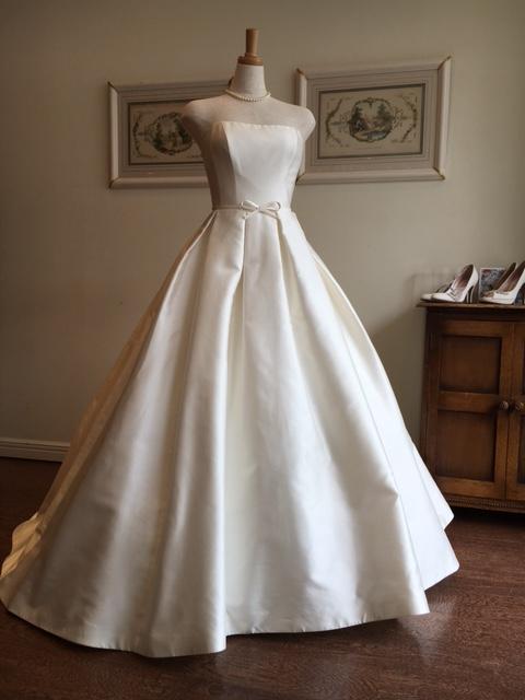 グランマニエのウエディングドレス|ミカドシルク