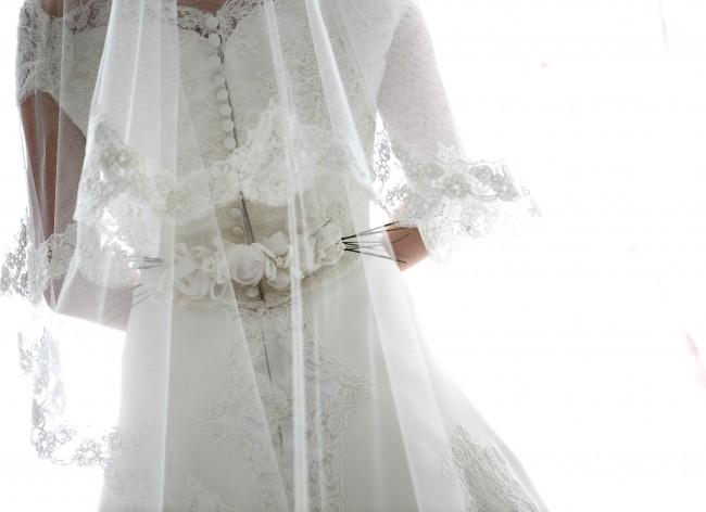 バックスタイル|グランマニエのウエディングドレス