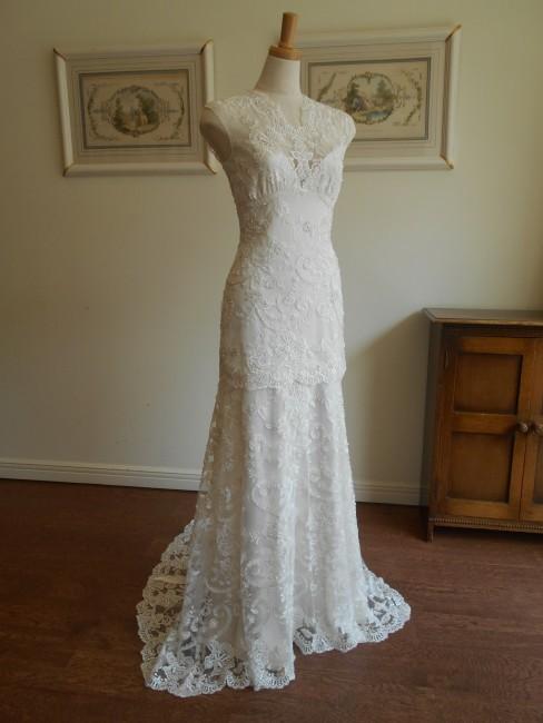 グランマニエのウエディングドレス|スレンダードレス|ビジュー