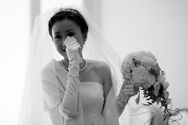 グランマニエのウエディングドレス|涙