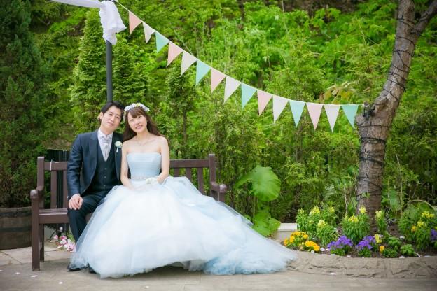 ガーデンウエディング|バレーブルー|チュールのドレス|花かんむり