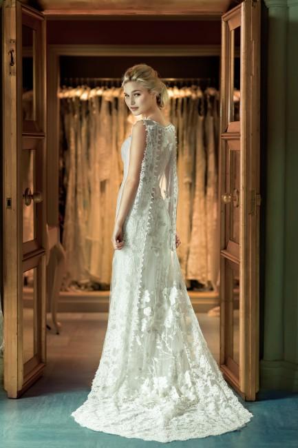 ホイットニー|グランマニエのウエディングドレス|スレンダーのドレス