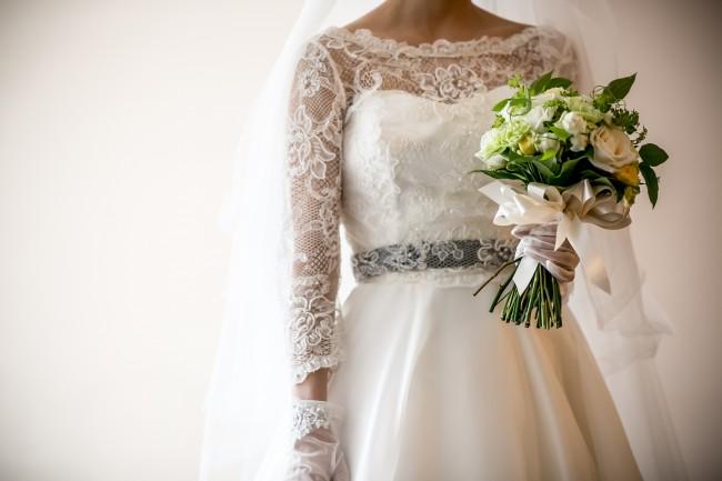 ボレロ ロングスリーブのドレス グランマニエのウエディングドレス サッシュベルト