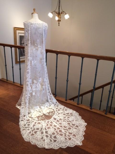 ホイットニー|スレンダーのドレス|グランマニエのウエディングドレス