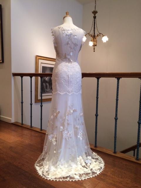 グランマニエのウエディングドレス|スレンダードレス