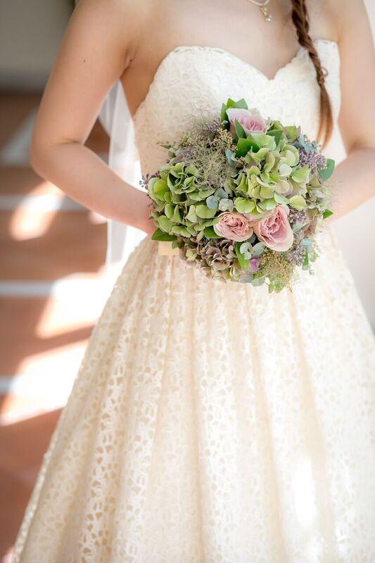 グランマニエのウエディングドレス ブーケ ナチュラル