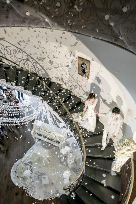 グランマニエのウエディングドレス|新郎新婦|スレンダーのドレス