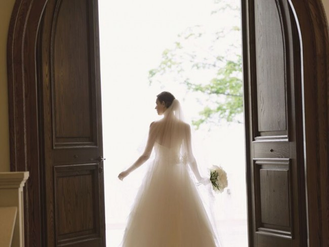 グランマニエのウエディングドレス ベール シルクのドレス