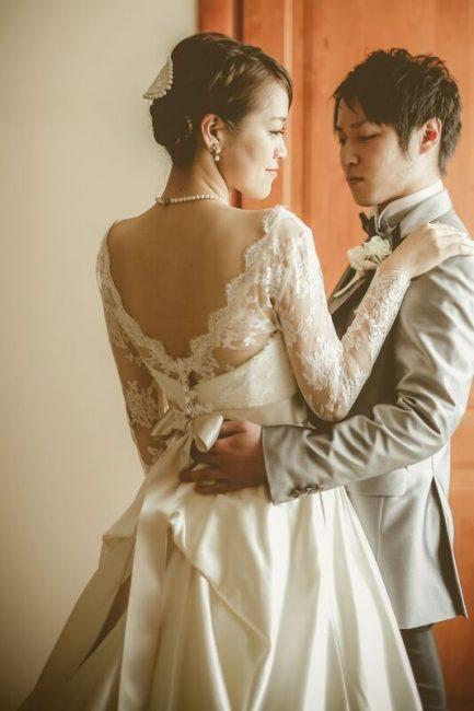 グランマニエのウエディングドレス サッシュベルト リボン 長袖のウエディングドレス
