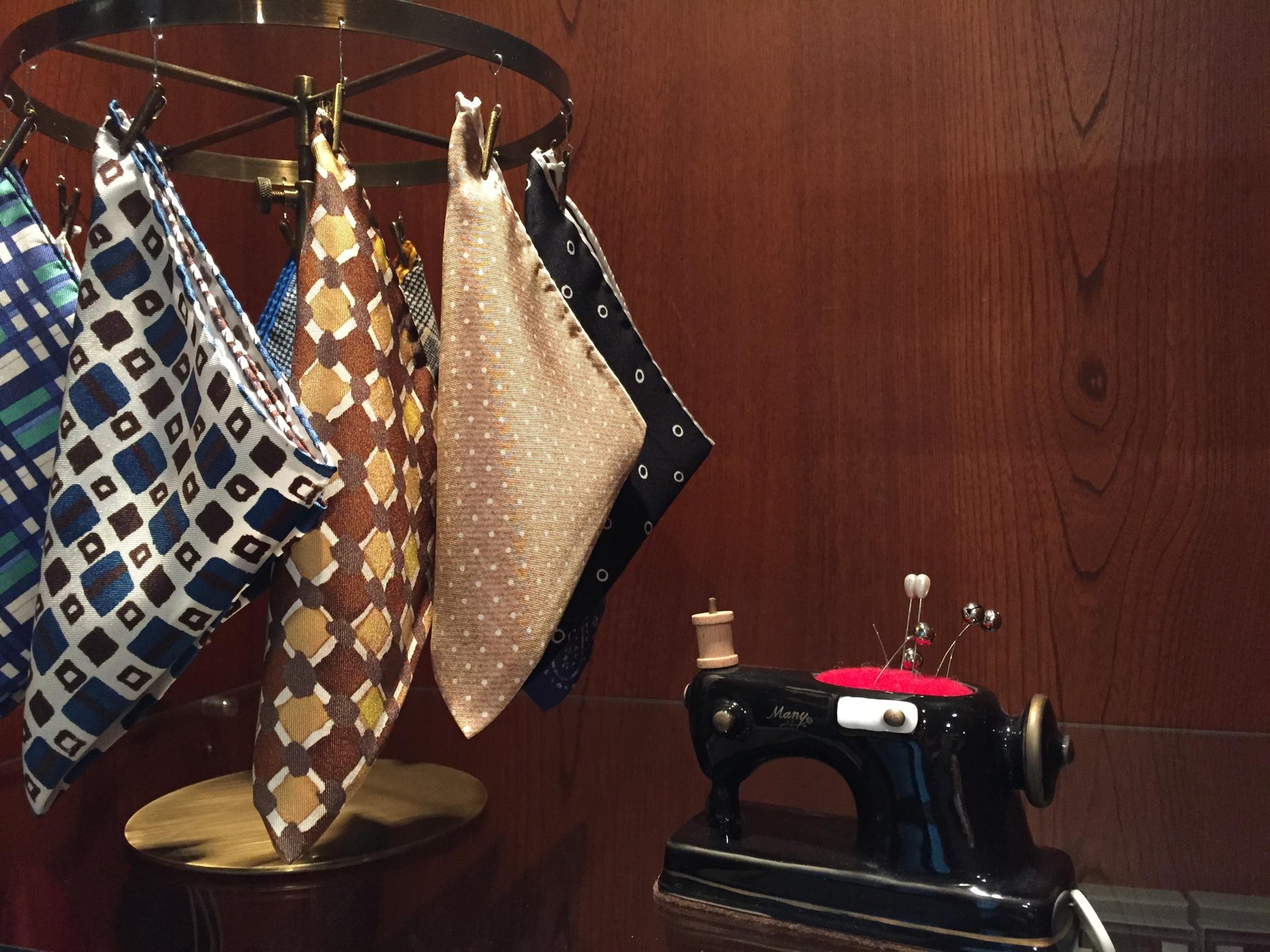 グランマニエのタキシード 新郎のタキシード ポケットチーフ