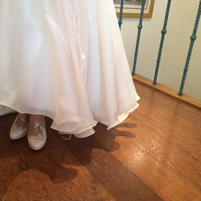 エミーロンドン|ブライダルシューズ|アンクル丈のドレス