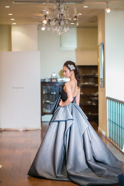 グランマニエのカラードレス ブラックのドレス 個性的なドレス