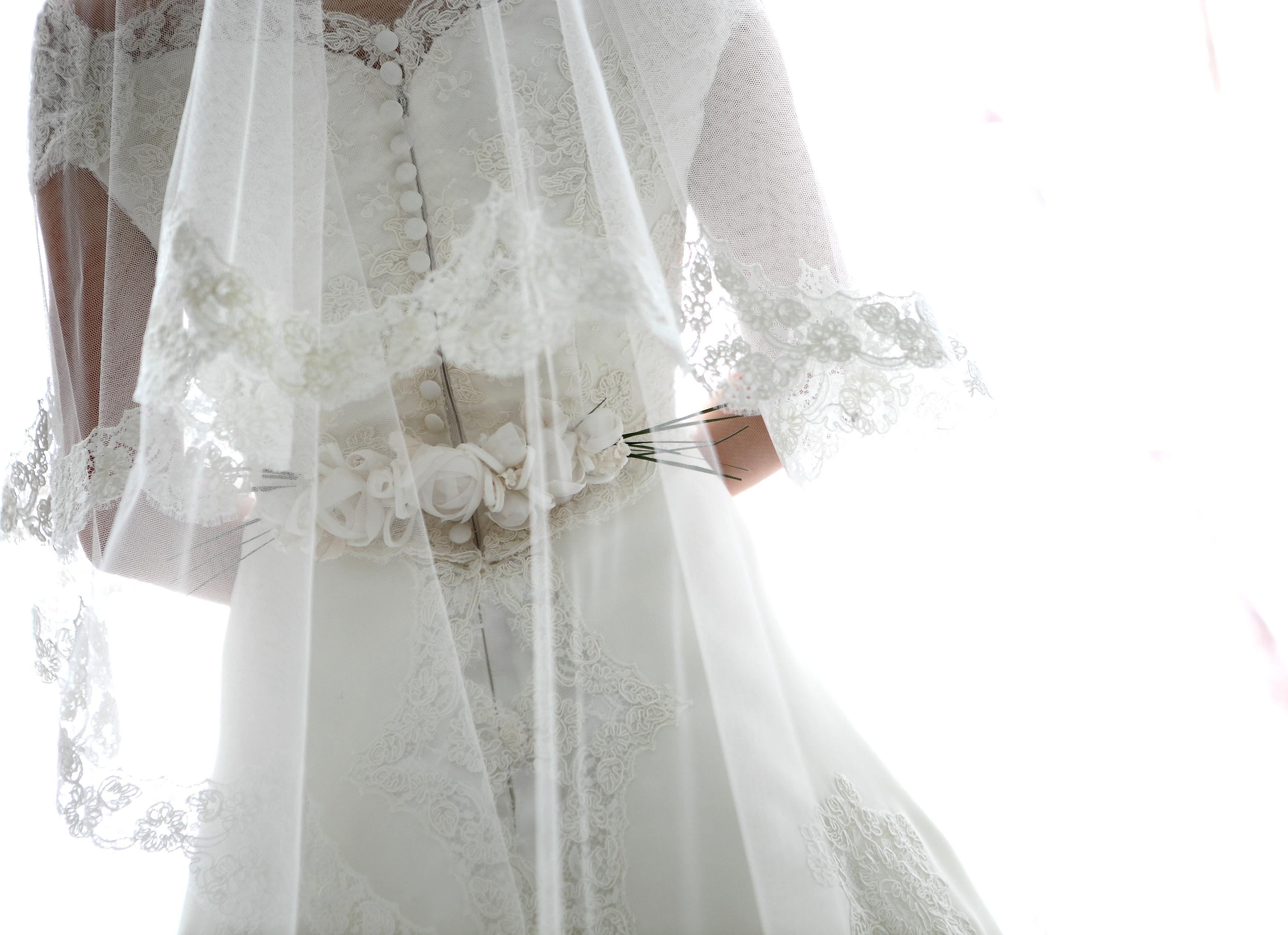 グランマニエのウエディングドレス シルク素材
