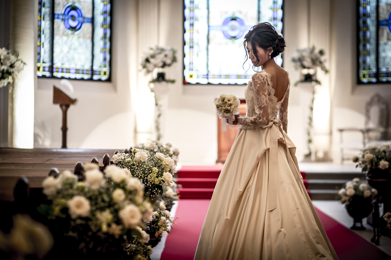 グランマニエ|ウエディングドレス|綺麗な立ち姿