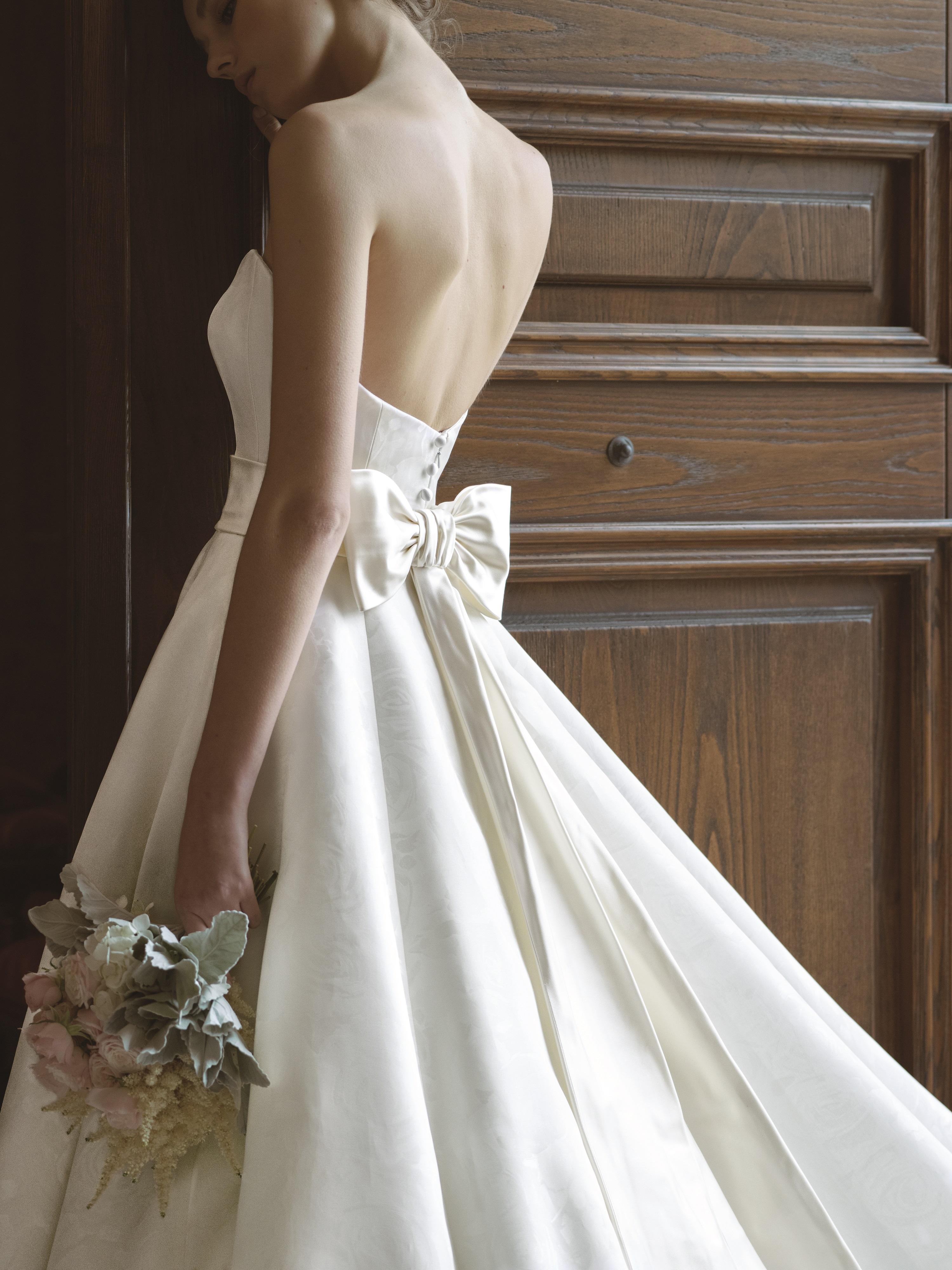 グランマニエ グランマニエのウエディングドレス シルク素材
