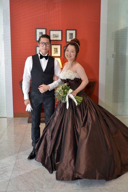 グランマニエのカラードレス|クラッチブーケ|ヴィヴィアンヌ
