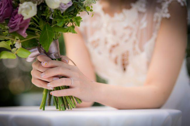 クラッチブーケ|グランマニエのウエディングドレス