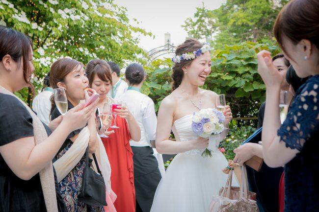 グランマニエのウエディングドレス|ブリジッタ|花冠|ガーデン