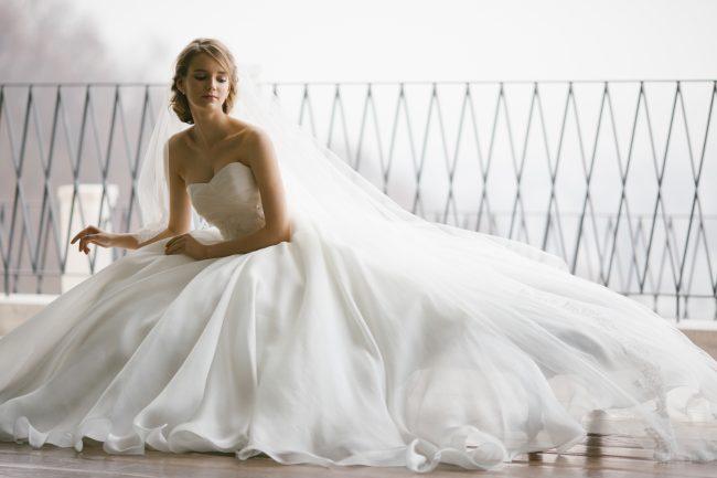 アルティアビス|グランマニエのウエディングドレス