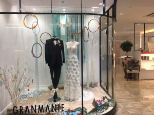 【アンセル】繊細なレースが花嫁を包み大人可愛いドレスを展示