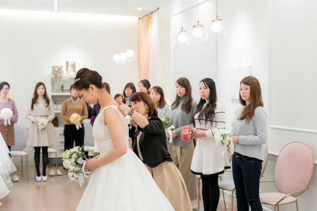 フィニシングの様子|グランマニエの花嫁