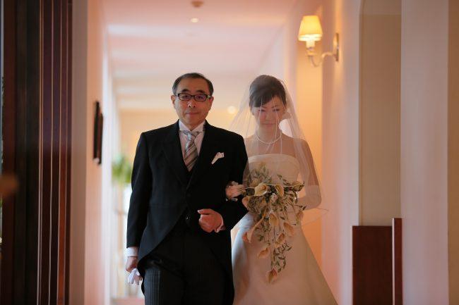 ベールダウン|花嫁と父|グランマニエのウエディングドレス