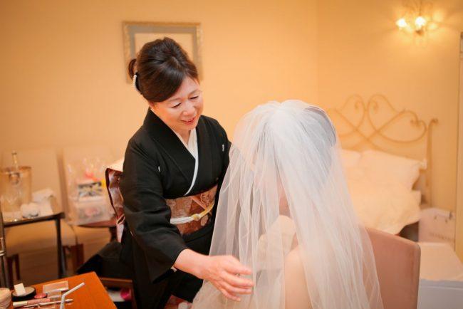 ベールダウン|花嫁と母|グランマニエのウエディングドレス